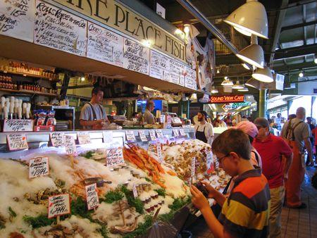 Pike Place Fish Market on Pike Place Fish Market Klanten Komen Hier Niet Alleen Voor De Vis